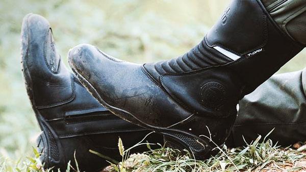 Royal Enfield ने पेश की राइडिंग जूतों की नई रेंज, कीमत 8,500 रुपये से शुरू