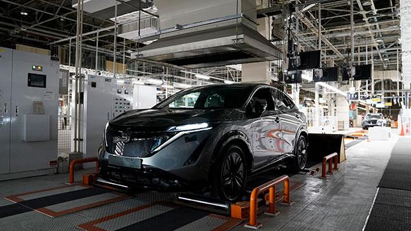 Nissan कार की डिलीवरी का कर रहें हैं इंतजार? आपके लिए है ये जरूरी खबर