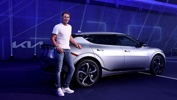 टेनिस खिलाड़ी Rafael Nadal भी हुए इलेक्ट्रिक वाहनों के दीवानें, खरीदी Kia की इलेक्ट्रिक कार