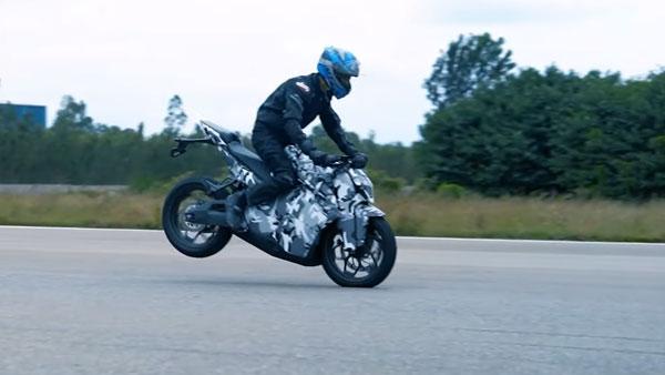 Ultraviolette F77 इलेक्ट्रिक स्पोर्ट्स बाइक की चल रही है टेस्टिंग, देखें वीडियो