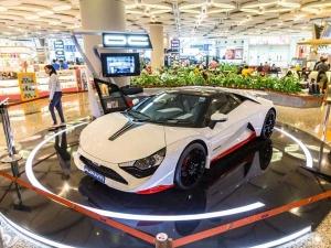 कस्टमाइज़्ड कारों के बादशाह की कंपनी डीसी डिज़ायन्स ने मुंबई एयरपोर्ट पर खोला नया शोरूम