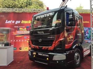 'एक शाम सारथी के नाम' प्रोग्राम के ज़रिए टाटा मोटर्स ने टी1 प्राइमा ट्रक रेसर्स को किया प्रोत्साहि�