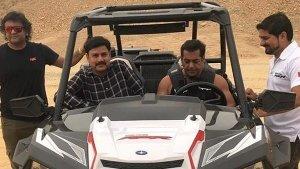 दुबई के रेगिस्तान में पोलारिस दौड़ाते नजर आए सलमान खान