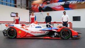 Mahindra M7 Electro Unveiled: फॉर्मूला ई-रेसिंग के लिए महिंद्रा ने उतारी इलेक्ट्रिक कार, जानें