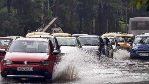 7 Accessories की मदद से Monsoon में करें कार की सुरक्षा