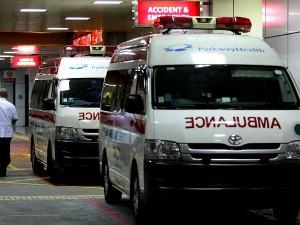 एम्बुलेंस के रास्ते में बाधा पहुंचाने पर 2,000 रूपये का जुर्माना