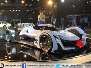 Auto Expo 2016 : Plane सी दिखने वाली इस कार में ब्रेक लगते ही बनती है पॉवर !