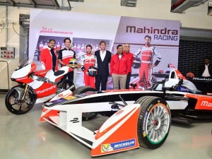 PROUD : अब रेसिंग ट्रैक पर फर्राटा भरेगी अपने देश की यह कार