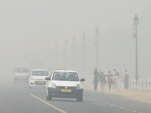 राजधानी दिल्ली में हुआ ऑड-इवेन की घोषणा, टैक्सी, बाइक और ऑटो को छूट