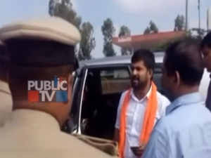 वीडियोः भाजपा के इस सांसद ने इनोवा से तोड़ी पुलिस की बैरिकोडिंग, हुआ गिरफ्तार
