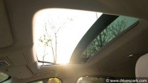 क्या आपकी कार में सनरूफ होना जरूरी है,  ये लेख आपके विचार बदल देगा