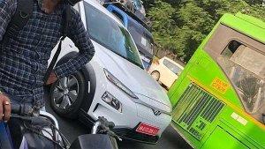 टेस्टिंग के दौरान स्पॉट हुई हुंडई कोना इलेक्ट्रिक SUV - अगले साल हो सकती है लॉन्च