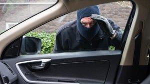 देश में होती है हजारों कारें चोरी, जानिये कैसे रोक सकते है ऐसी घटना