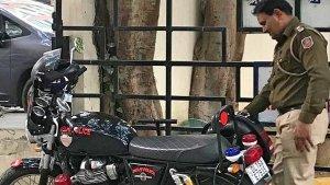 अब दिल्ली पुलिस करेगी इस दमदार बाइक से शहर की सुरक्षा, बेड़े में शामिल हुई रॉयल एनफील्ड की यह बाइक