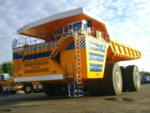 दुनिया के इस सबसे बड़े ट्रक को देख दंग रह जायेंगे