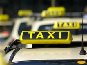 केरल में अब महिला ही महिलाओं के लिये टैक्सी चलायेंगी