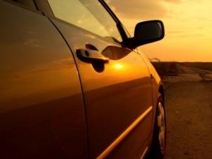 10 कार ऐक्सेसरीज़ जो इन गर्मियों में आपकी कार को रखें कूल