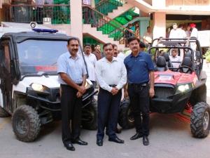 जम्मू-कश्मीर बचाव अभियान के लिए पोलारिस ने चार ऑफ-रोड गाडियां प्रदान की