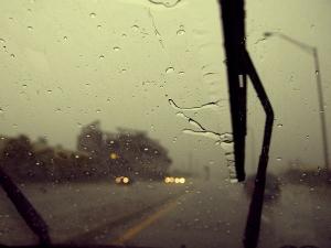 मानसून ड्राइविंग टिप्स, कैसे चलायें बरसात में गाड़ी
