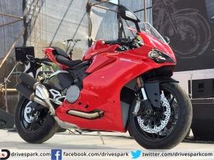 डुकाटी 959 पैनीगेल इंडियन बाइक वीक में की गई शोकेस, कीमत 14.04 लाख