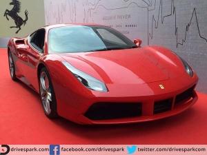 PICS : देखिए फरारी की यह नजरें रोक लेने वाली 4 करोड़ी शानदार कार