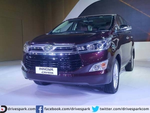 मई में लॉन्च होगी टोयोटा की नई एमपीवी इनोवा क्रिस्टा, तस्वीरों में देखिए इस शानदार कार को