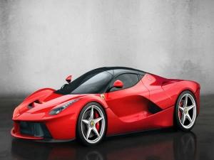 पेरिस मोटर शो से पहले ही फ़रारी ने नई कार ला फरारी के कनवर्टिबल वर्ज़न से उठाया पर्दा