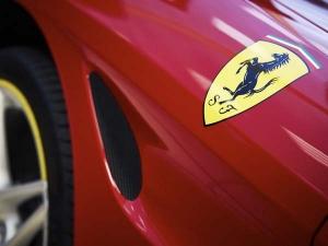 फरारी ने अपनी लेटेस्ट फ्लैगशिप कार LaFerrari Aperta पर से उठाया पर्दा, नए प्लेटफॉर्म पर बनेगी