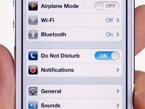 Apple iOS 11 का 'Do Not Disturb While Driving' से रूकेगी दुर्घटना