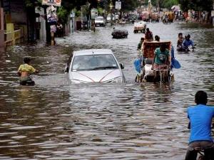 मुंबई बाढ़ से प्रभावित कारों के सर्विस सपोर्ट को आगे आया फॉक्सवैगन, ले सकते हैं निःशुल्क लाभ