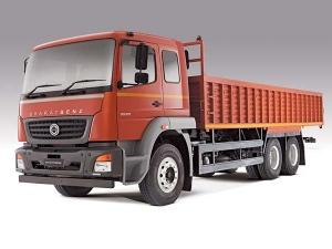 मोदी सरकार ने लिया फैसला, 1 जनवरी से ट्रकों में एसी केबिन होगा जरूरी