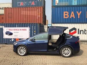 मॉडल-एक्स के साथ टेस्ला की पहली कार ने भारत में दिया दस्तक, जानें खासियत