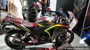 फिर से लौट आई है होंडा की पॉपुलर स्पोर्ट्स बाइक 2018 CBR 250R - जानें क्या है नया