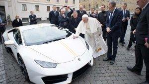 पोप की लेम्बोर्गिनी हुराकेन निलाम - जानें कितने में बिकी