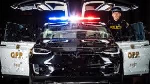 स्विस पुलिस ने टेस्ला की इस टॉप इलेक्ट्रिक कार को बनाया अपना वाहन - पढ़ें पुरी रिपोर्ट