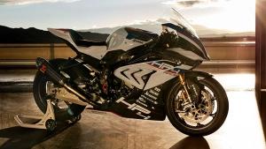BMW ने लॉन्च की 85 लाख की रेस बाइक - जानें क्या है खास
