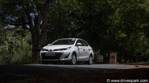 टोयोटा यारिस CVT रिव्यू — अत्याधुनिक फीचर्स से लैस शानदार सिडैन कार