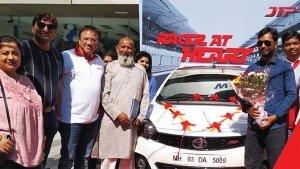टाटा टियागो और टिगोर जेटीपी की डिलेवरी हुई शुरू - मुंबई में जीशान खान को सौंपी गई पहली कार