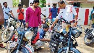 अगर आप भी चलाते है ऐसी बाइक तो हो जाए सावधान, पुलिस कर रही है कार्यवाही