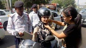 ट्रैफिक नियम तोड़ने वालो को अब भरना पड़ेगा दोगुना जुर्माना, सरकार ने दिया आदेश