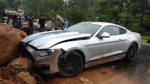 असम की पहली फोर्ड मस्टैंग हुई दुर्घटनाग्रस्त, 80 लाख रुपये है कीमत