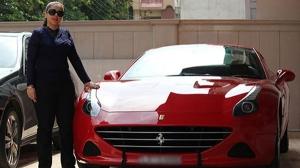 सुपरकारों की मालकिन हैं ये भारतीय महिलाएं, जानिए इनके शानदार कारों के बारे में