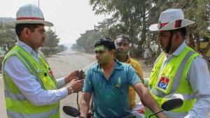 बुलेट सवार पर हुआ 35,000 रुपयें का जुर्माना, साइलेंसर से निकल रही थी पटाखे जैसी तेज आवाज
