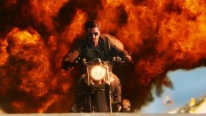 नई फिल्म में बीएमडब्ल्यू की बाइक चला रहे हैं ऋतिक और टाइगर, जानिये इसकी खासियत