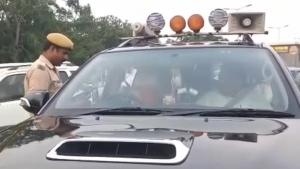 विधायक चल रहे थे काले शीशे वाली गाड़ी पर, ट्रैफिक पुलिस ने कर दिया चालान