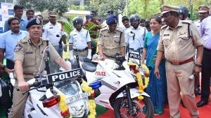 अब विजयवाड़ा पुलिस करेगी सुजुकी बाइक से शहर की निगरानी, कंपनी ने भेंट की पांच जिक्सर एसएफ 250 बाइक