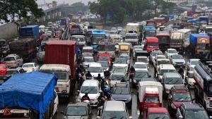 अहमदाबाद पुलिस ने लॉकडाउन के चलते वाहन के उपयोग पर लगाया बैन, जाने