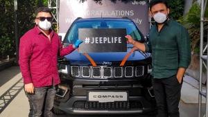 Jeep Compass Deliveries Resume: जीप कम्पास की डिलीवरी फिर से हुई शुरू, अब घर पर भी मिलेगी डिलीवरी
