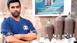 इस व्यक्ति ने बेच दी अपनी एसयूवी, 250 परिवार को बांटे मुफ्त ऑक्सीजन सिलेंडर