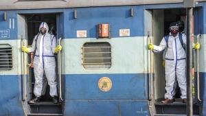 Railways Tatkal Ticket Booking Starts Today: आज से रेलवे तत्काल टिकट बुकिंग शुरू, कल से करें सफर